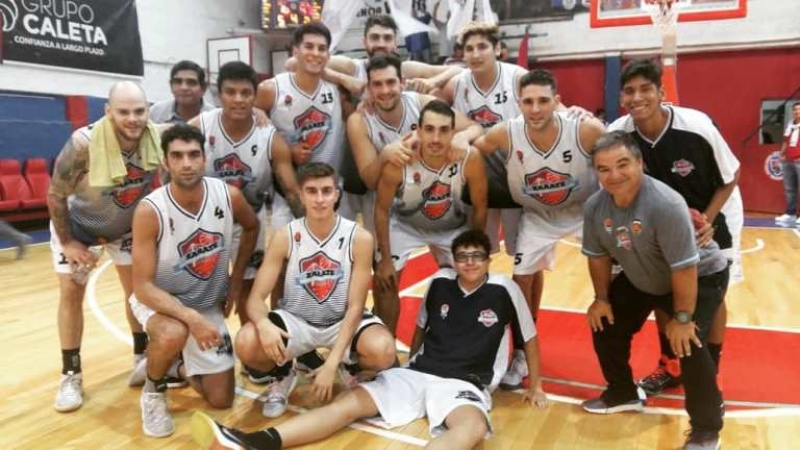Zárate Basket mantuvo su gran 2019 en el arranque de los playoffs en Madryn.