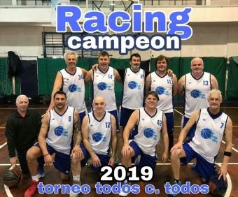 Racing Campeón del Torneo Clasificatorio Maxi Sábados +50 en Hebraica